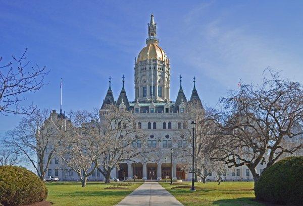 Connecticut lawmakers approach marijuana legalization for additional revenue