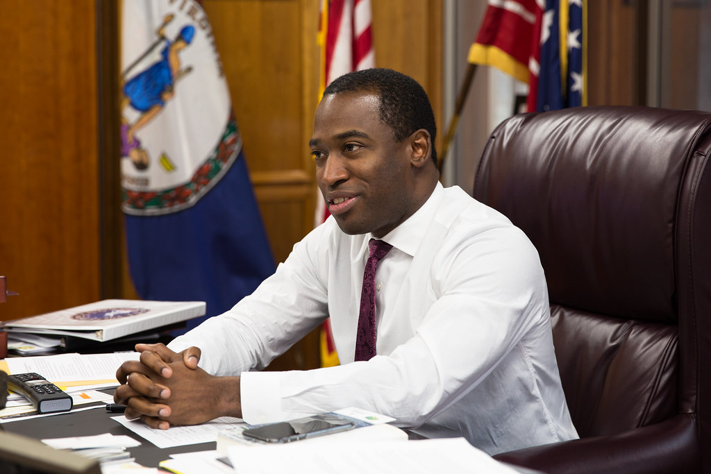 Mayor Stoney Calls for Marijuana Legalization